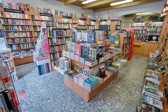 Knihkupectví Moravské Budějovice - interiér