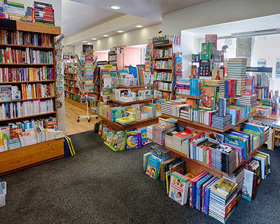 Knihkupectví Opava - interiér