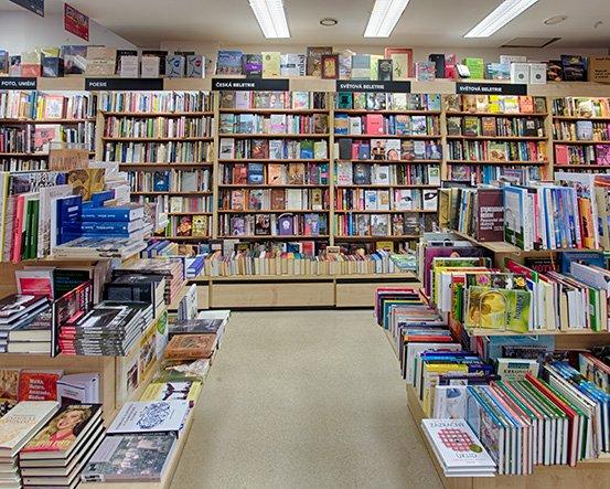 Knihkupectví Praha - Perlová - interiér